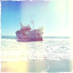 The (now) infamous Clifton Trawler, aka the Eihatsu Maru. This boat is just AWESOME to photograph. It looks great at all angles. I'll definitely be dedicating a post to the pics I took of this boat.